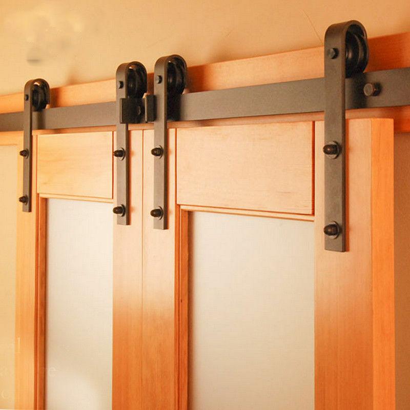 Вот так выглядит рельсовая система для дверей.